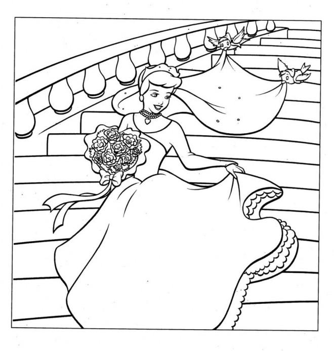 Coloriage et dessins gratuits Princesse Cendrillon dans Le Palais à imprimer