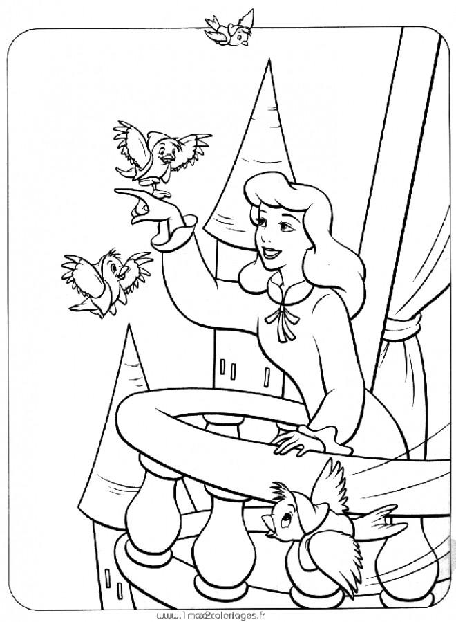 Coloriage et dessins gratuits Princesse Cendrillon pour enfant à imprimer