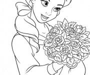 Coloriage dessin  La belle tient un bouquet