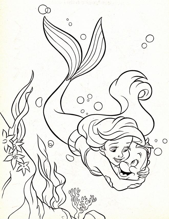 Coloriage et dessins gratuits Princesse Ariel aime Polochon à imprimer