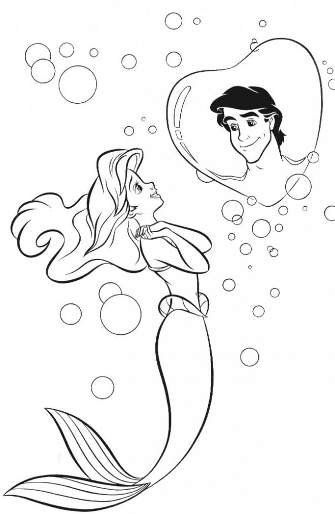 Coloriage et dessins gratuits Princesse Ariel en amour avec Eric à imprimer