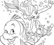 Coloriage et dessins gratuit Princesse Ariel et Sébastien nagent à imprimer