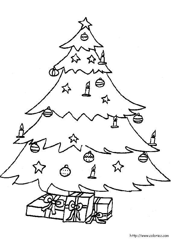 Coloriage et dessins gratuits Cadeaux de Noël sous le Sapin à imprimer