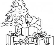 Coloriage et dessins gratuit Cadeaux sous le sapin de Noël à imprimer