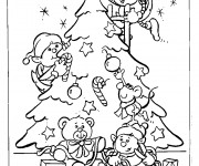Coloriage Les assistants de Noël décorent le Sapin