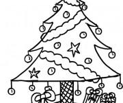Coloriage et dessins gratuit Sapin et Cadeaux de Noël à imprimer