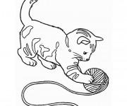 Coloriage et dessins gratuit Un chaton Trop Mignon qui joue à imprimer