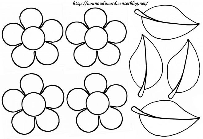 Coloriage et dessins gratuits Fleurs et pétales à imprimer