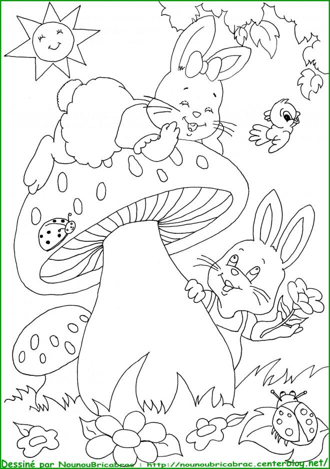 Coloriage et dessins gratuits Animaux s'amusent dans le Jardin à imprimer