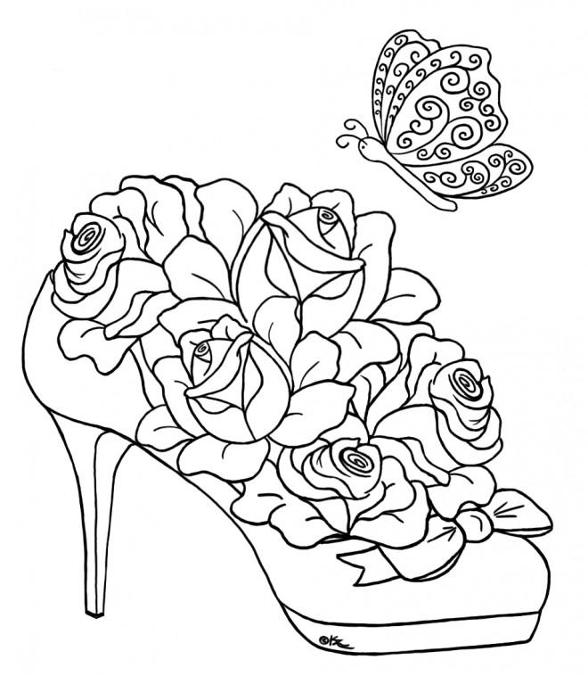 Coloriage et dessins gratuits Roses sur Chaussure à imprimer