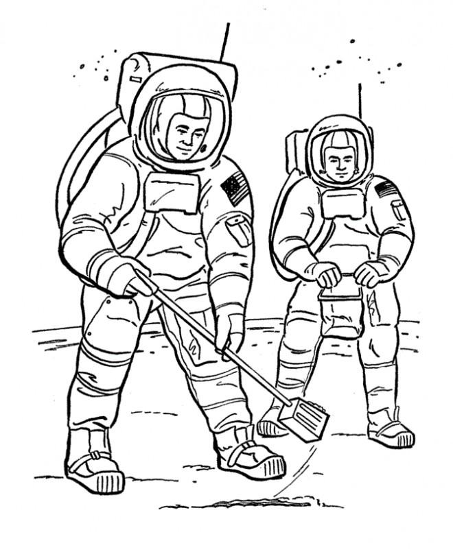 Coloriage et dessins gratuits Astronautes sur la lune à imprimer