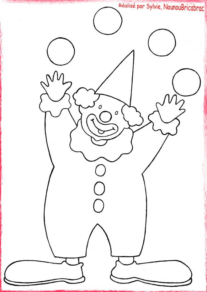 Coloriage et dessins gratuits Le clown et les quatres boules à imprimer
