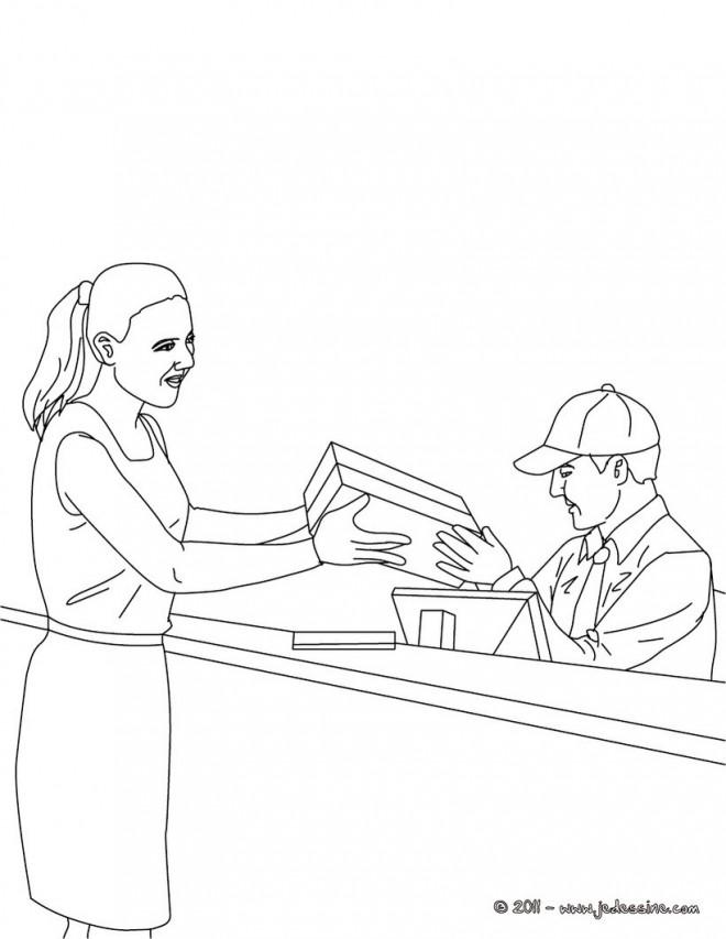 Coloriage et dessins gratuits Un agent de poste donne un package à une femme à imprimer