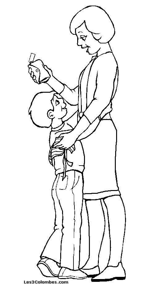 Coloriage et dessins gratuits Maman avec son enfant à imprimer