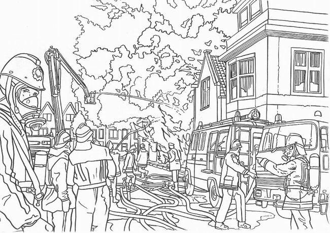 Coloriage Pompier réaliste dessin gratuit à imprimer