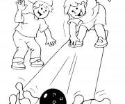Coloriage Enfant jouent au Bowling