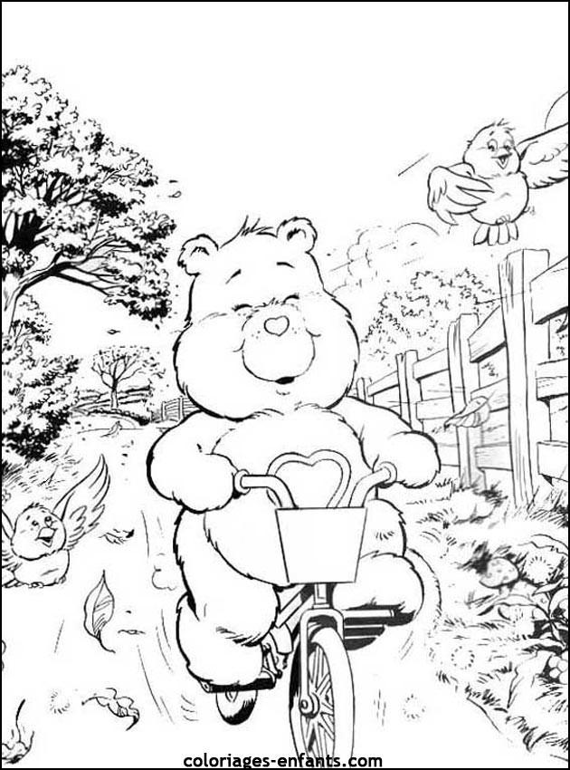 Coloriage et dessins gratuits Petit Ours sur son Vélo à imprimer