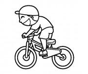 Coloriage et dessins gratuit Un petit Cycliste à imprimer