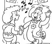 Coloriage et dessins gratuit Les petits s'amusent avec la musique à imprimer