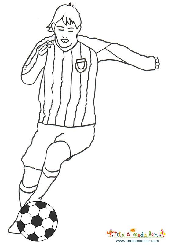 Coloriage et dessins gratuits Football Messi facile à imprimer