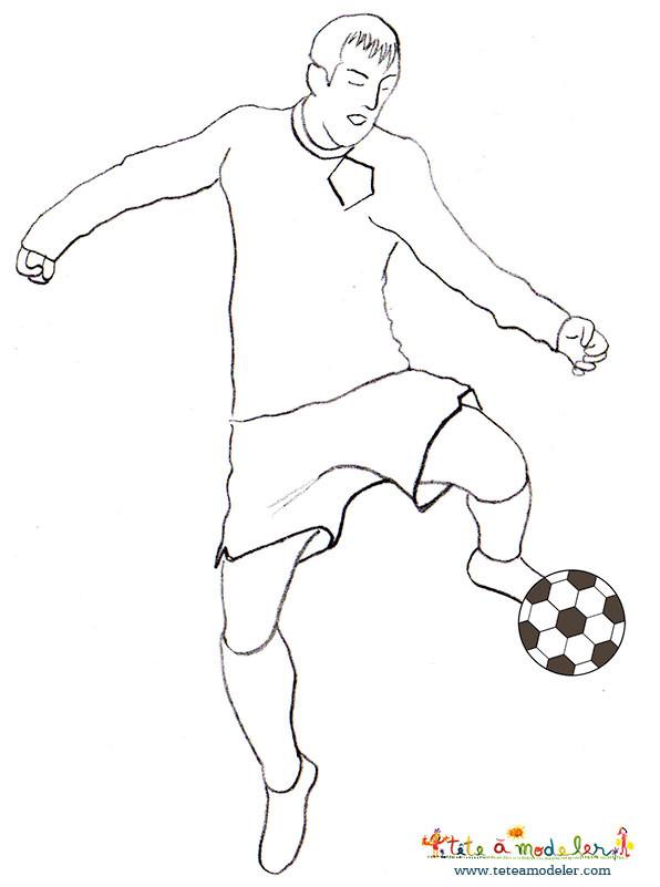 Coloriage et dessins gratuits Soccer Joueur et ballon couleur à imprimer