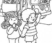 Coloriage et dessins gratuit le chauffeur de bus ouvre la porte pour les enfants à imprimer