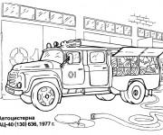 Coloriage Camion Pompier au garage