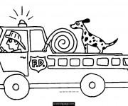 Coloriage et dessins gratuit Un chien sur Le Camion Pompier à imprimer