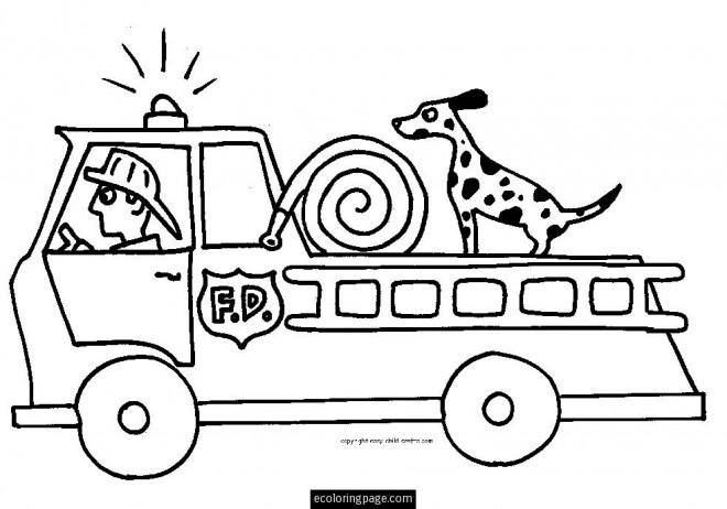 Coloriage et dessins gratuits Un chien sur Le Camion Pompier à imprimer