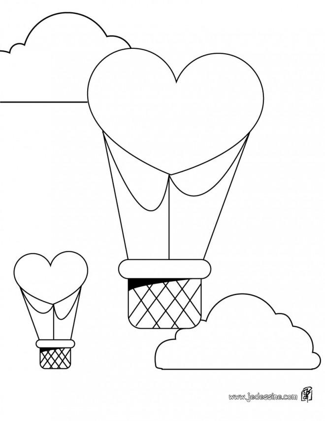Coloriage et dessins gratuits Montgolfières en forme de coeurs à imprimer
