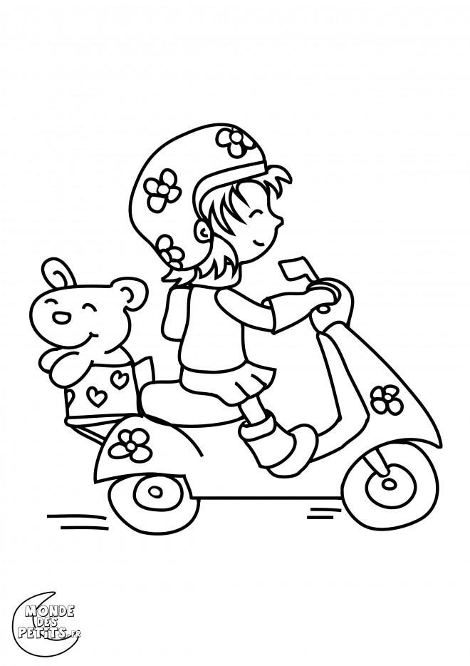 Coloriage et dessins gratuits Fille mignonne conduit sa Moto à imprimer
