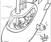 Coloriage Enfant découvre la mer dans un Sous Marin