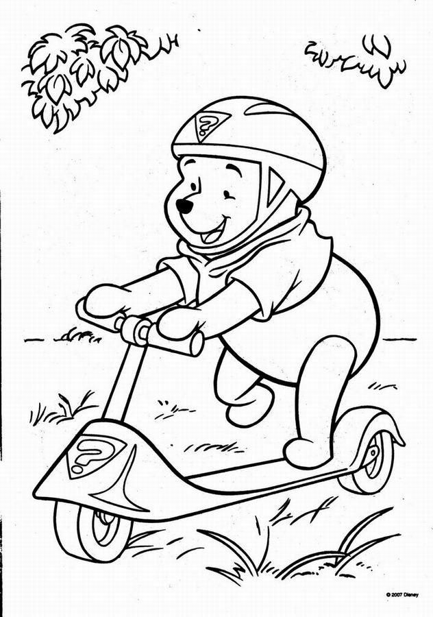 Coloriage et dessins gratuits Ours s'amuse sur sa Trottinette à imprimer