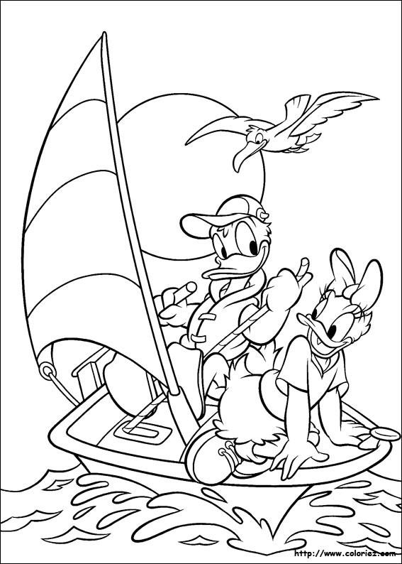 Coloriage et dessins gratuits Daisy et Donald naviguent un voilier à imprimer